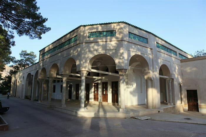 عمارت موزه نفت سوزها در کرمان