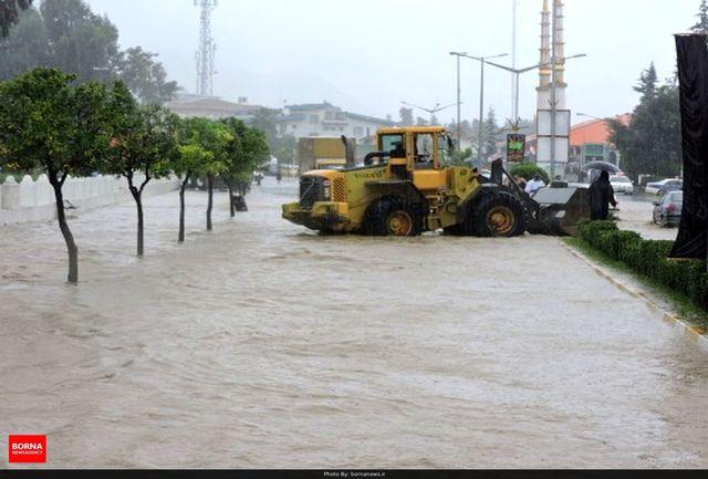 اقدامات شبانه روزی راهداران جهت مقابله با سیلاب در شهرستان چایپاره