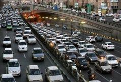ترافیک در اتوبانهای تهران/راکبین موتورسیکلت در داخل تونلها تردد نکنند