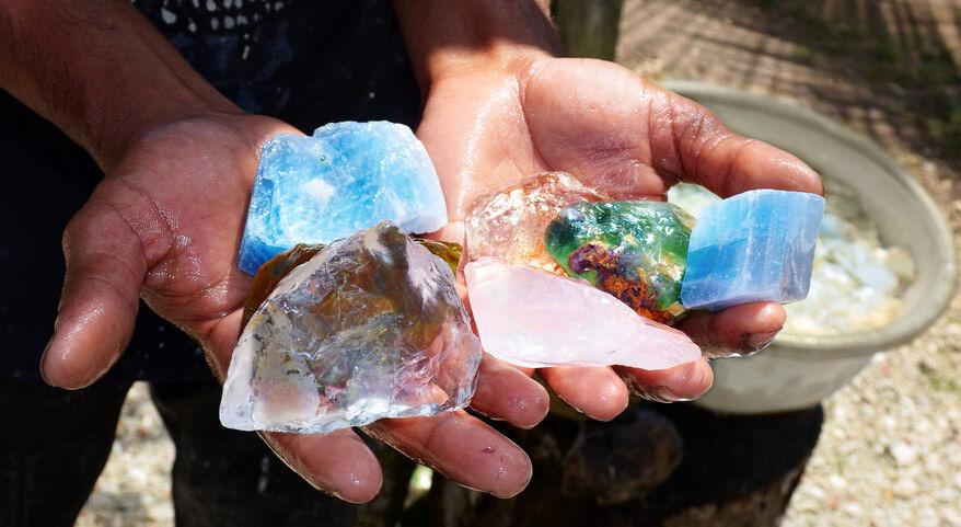 تصویر از سرقت 50 میلیاردی سنگهای قیمتی از تاجر افغان