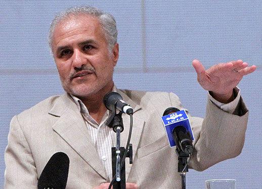 حسن عباسی بازهم به دولت، مجلس و اصلاح طلبان حمله کرد، اینبار در قم!