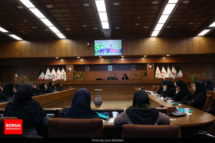 جلسه رویکردهای نوین مدیریت ورزشی برگزار شد