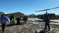 اعزام بیمار بدحال با بالگرد امداد هوایی از تکاب به زنجان/ نخستین ماموریت اورژانس هوایی در تکاب انجام شد