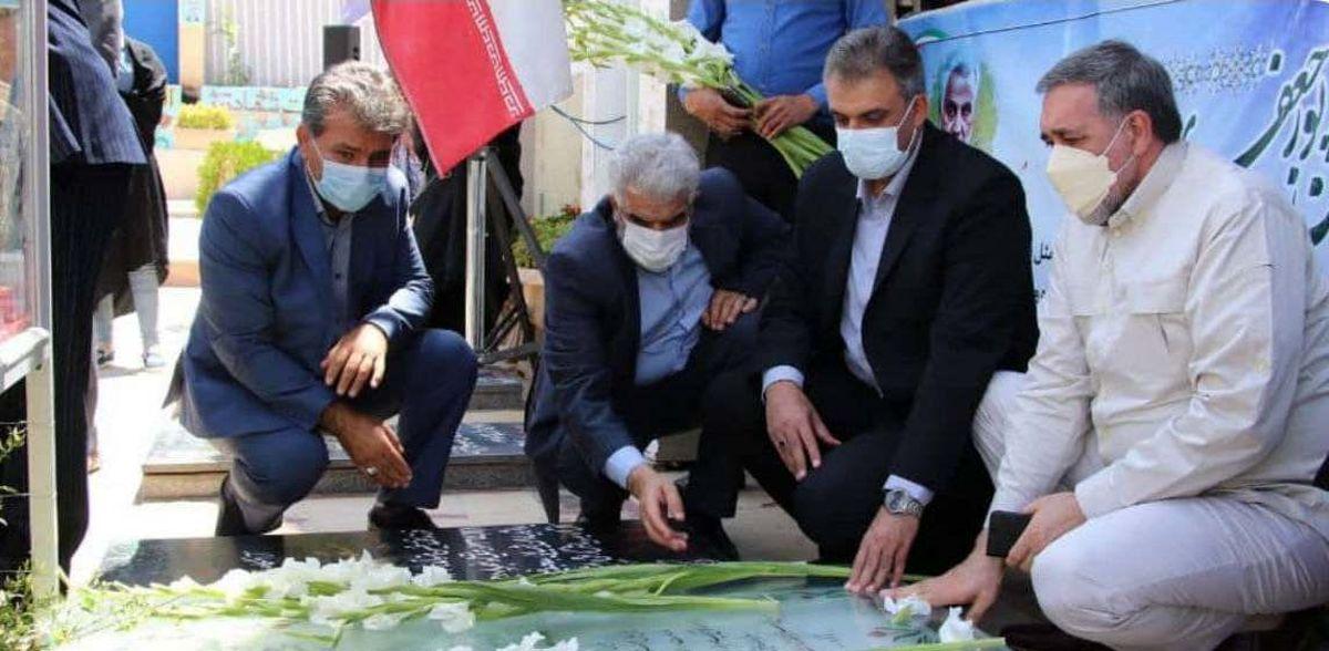 مشاور وزیر ورزش به مقام شامخ سپهبد شهید سلیمانی ادای احترام کرد