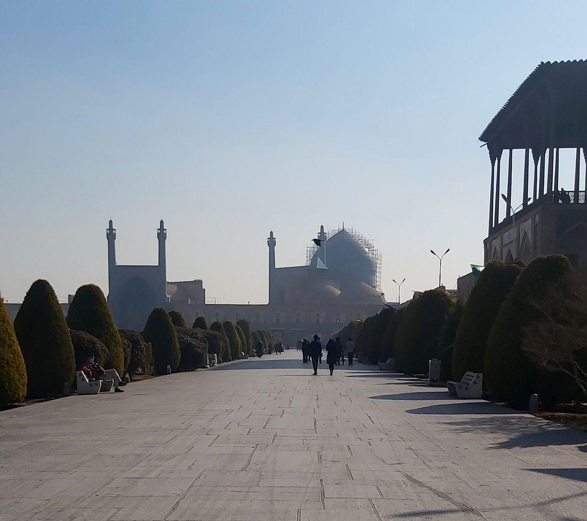وضعیت هوای اصفهان قرمز است