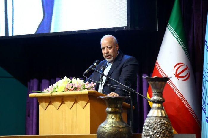 جوانان،نقشی موثر در توسعه پایدار شهر اصفهان دارند/ در حوزه علم و فناوری نگاه نظری کافی نیست