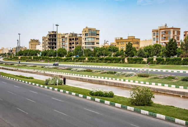 تکمیل دیواره سبز بلوار شهید سلیمانی در قم