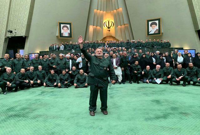 جنجال سردار پاکپور در پلدختر و واکنش دولتیها/ ترامپ مرز گستاخی را شکست/ مجلس یک دست سبزپوش شد/ آیت الله هاشمی همچنان تیتر یک است