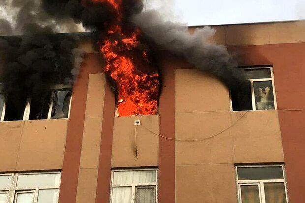 آتش سوزی مسکن مهر آبادان ۱۴ مصدوم بر جای گذاشت