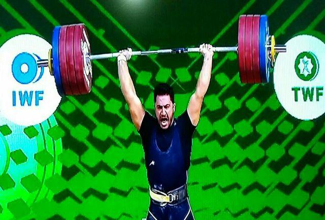 """""""رضا بیرالوند"""" برسکوی سوم وزنه برداری جهان ایستاد"""