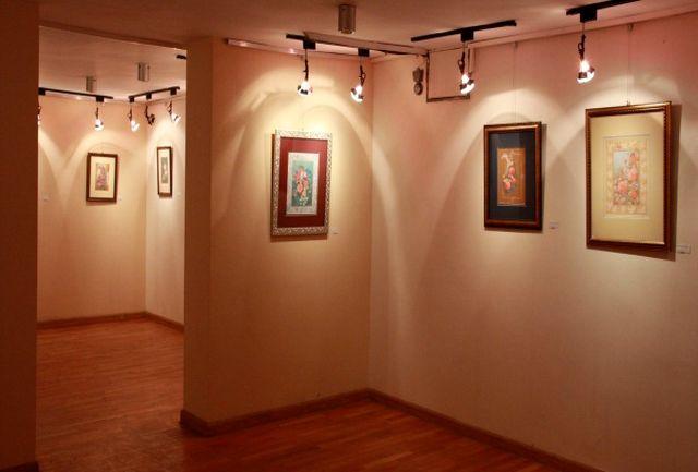 دیدن عکس های کیارستمی و آثار نقاشی رضا بابک در گالری گردی آخر هفته