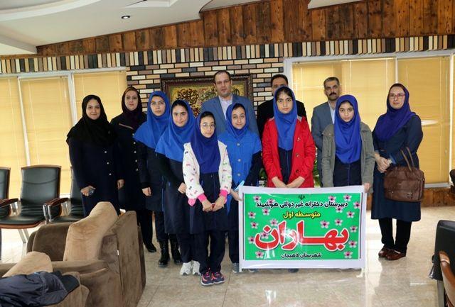 اولین گروه همیاران شهرداری با شهردار لاهیجان دیدار کردند