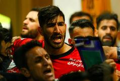 درگیری بازیکنان سپاهان و پرسپولیس بر سر شوت پورقاز+فیلم