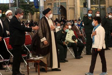 دیدار رییس جمهور با اقشار مختلف مردم در شیراز