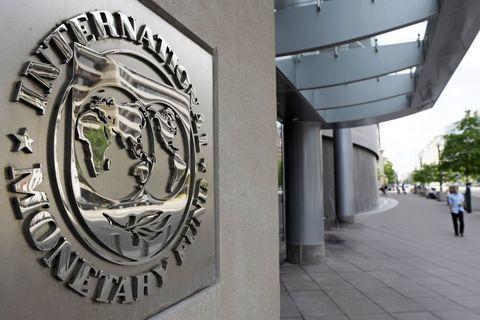 رشد نقدینگی ایران در سال 99 کاهش مییابد