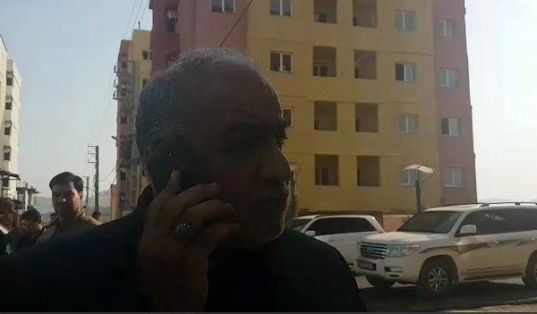گوشی استاندار کرمانشاه، تریبون یک شهروند زلزله زده شد