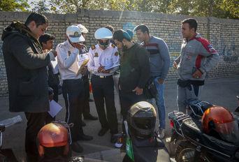 رژه موتورسواران قانونمند در شهر