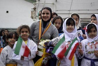 مراسم استقبال از سارا بهمن یار کاراته کا گیلانی