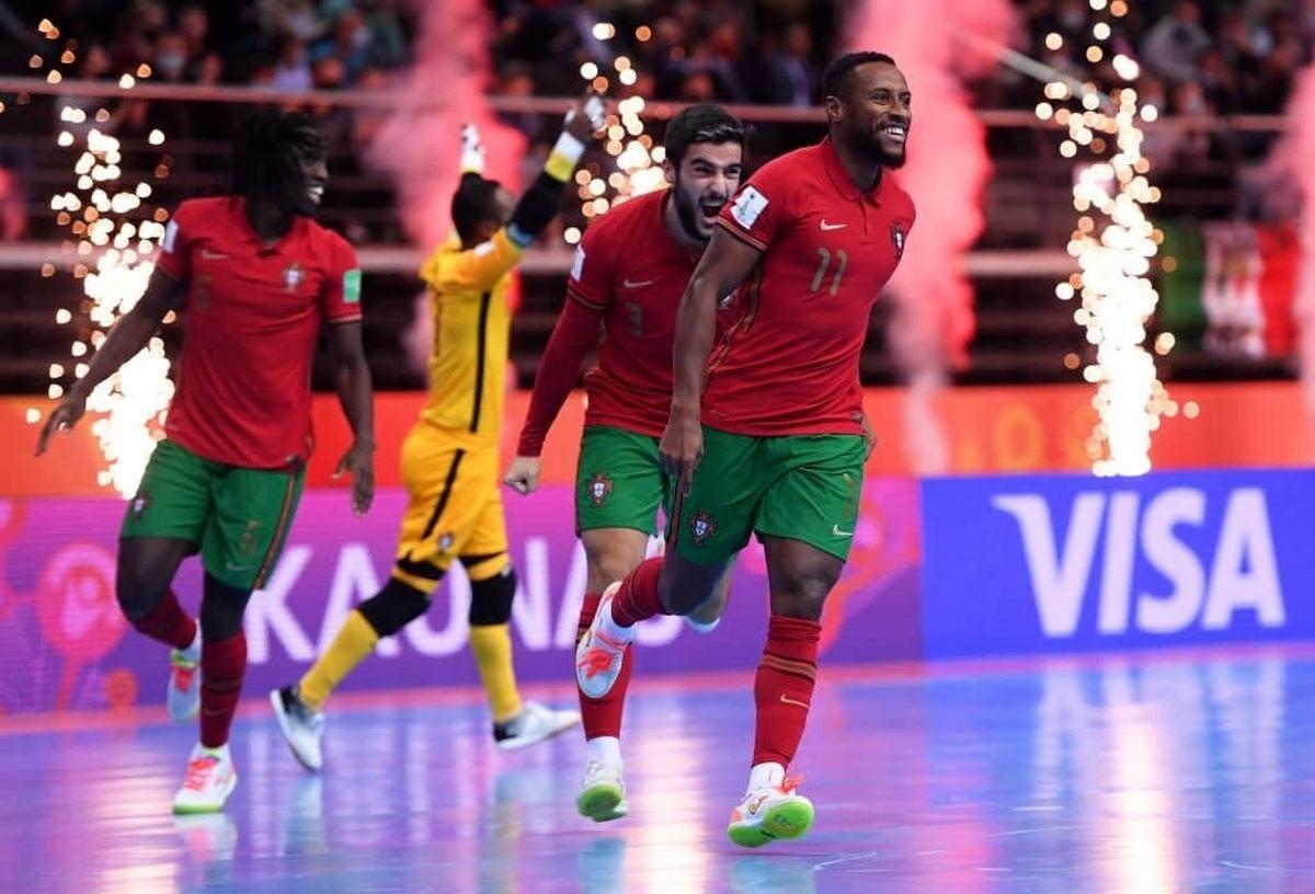 هموطنان رونالدو جام را به خانه بردند