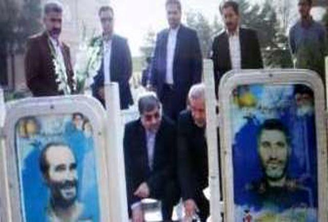 علی جنتی وزیر فرهنگ و ارشاد  اسلامی وارد گلستان شهدا شد