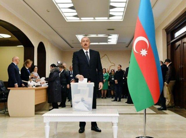 برگزاری انتخابات زودرس در آذربایجان