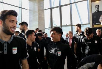 بازدید وزیر ورزش و جوانان از اردوی تیم ملی فوتبال امید