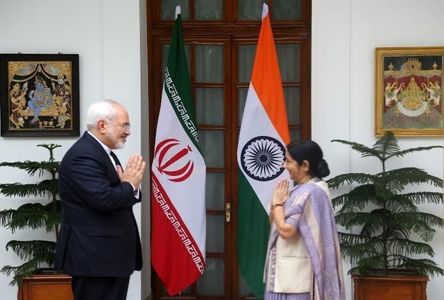 ظریف با وزیر خارجه هند دیدار کرد