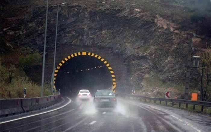جاده های کدام استانها بارانی است؟