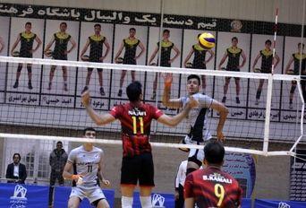 دیدار تیم های والیبال شهروند اراک و درنا ارومیه