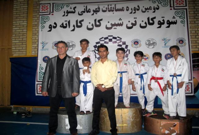 14 مدال سهم پسران کاراته کار منطقه آزاد قشم