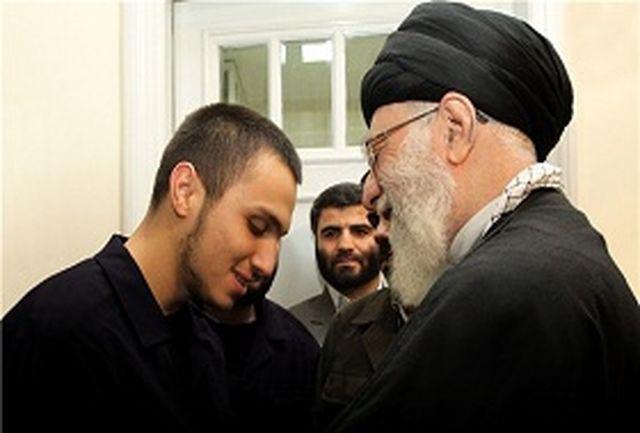 تصاویر دیدار شهید جهاد مغنیه با فرمانده معظم کل قوا