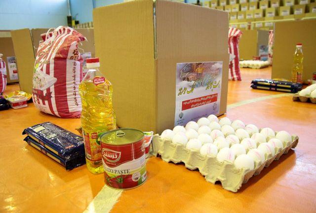 توزیع 5 هزار و 700 بسته معیشتی در بین آسیب دیدگان کرونا در گلپایگان