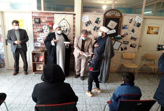 اهداء ۳۹ دستگاه تبلت به دانش آموزان شهریاری