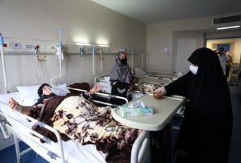حضور خادمان رضوی در بیمارستان فرقانی قم
