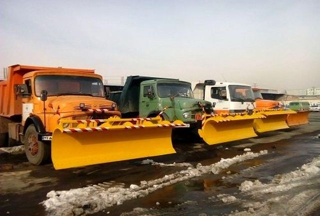 صد در صد ماشین آلات برف روب در منطقه یک مستقر میشوند