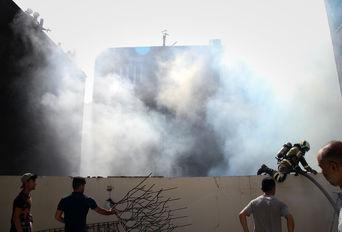 آتش سوزی تولیدی پوشاک در خیابان بهار