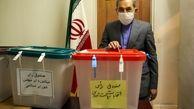 مشاور مقام معظم رهبری در انتخابات شرکت کرد