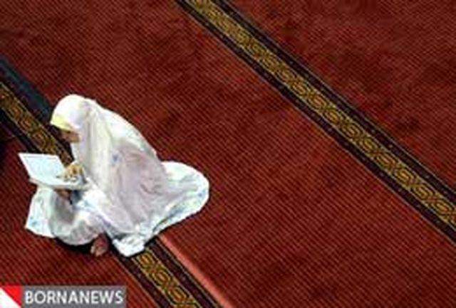 جلوه های دیدنی از تلاوت قرآن در ماه رمضان + عکس