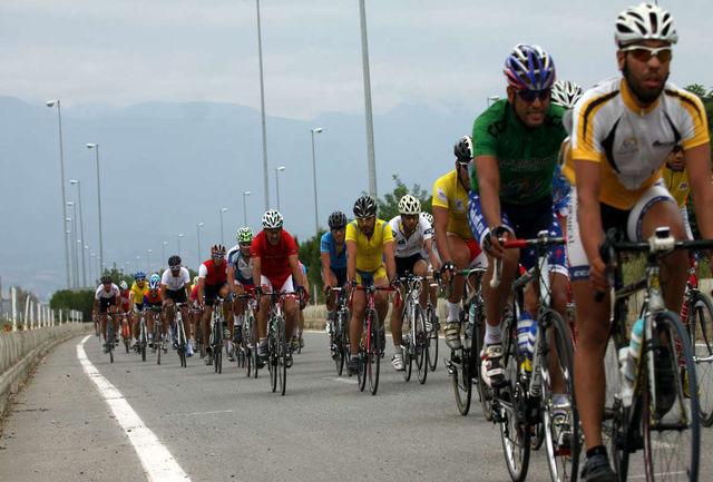 دوچرخه سواران خراسان شمالی با شعار احیای دریاچه ارومیه رکاب می زنند