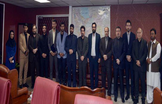 نشست صمیمانه وزیر ورزش و جوانان با اعضای هیئت رئیسه مجمع ملی سازمان های مردم نهاد جوانان