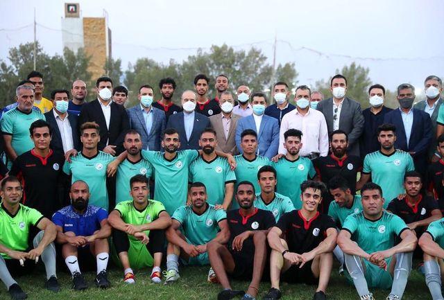 حضور وزیر ورزش و جوانان در محل تمرینات تیم ملی فوتبال ناشنوایان