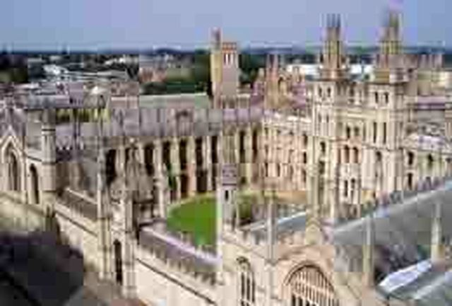 آکسفورد قدیمیترین دانشگاه جهان است