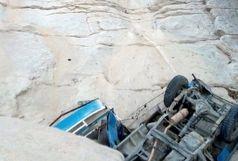 7 کشته و مصدوم بر اثر سقوط نیسان وانت از کوه