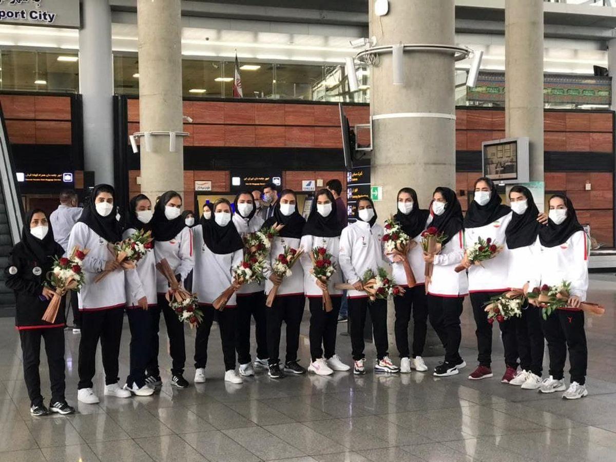 ملیپوشان تیم ملی هندبال بانوان وارد کشور شدند