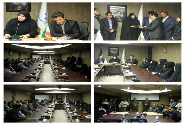 اعطای حکم سرپرست شهرداری پرند از دستان رئیس شورای اسلامی شهر