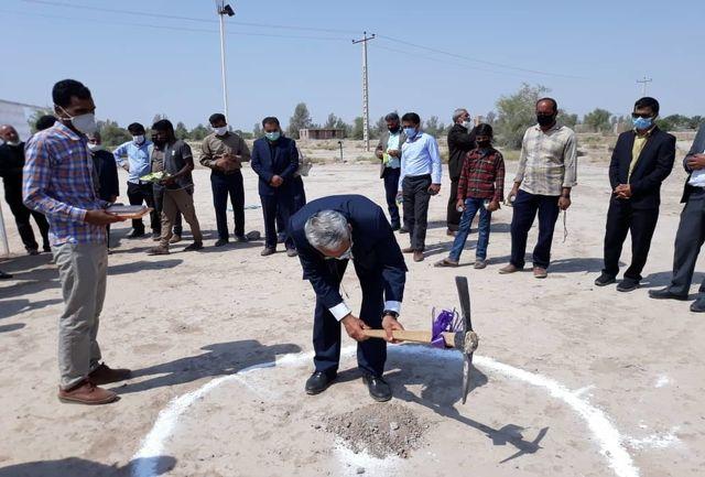 کلنگ احداث مدرسه سه کلاسه در روستای سعید آباد رودبار جنوب به زمین زده شد