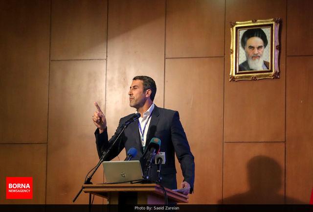 والیبال ایران نوسانات زیادی داشت/ داورزنی مدیر باتجربهای است/ منصفانه نیست مربی کار نکند و دستمزد بگیرد!