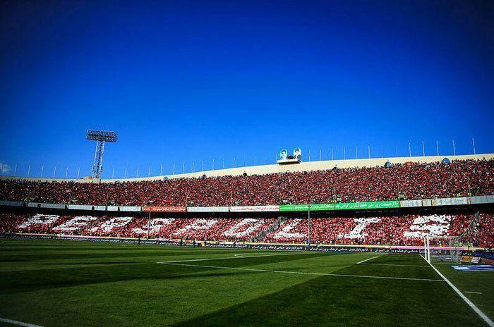 ماکت طرفداران پرسپولیس در ورزشگاه آزادی