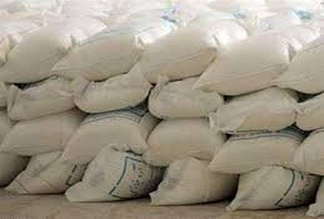 کشف ۲۰ تن آرد احتکارشده در شهرستان سردشت