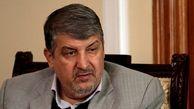اگر حداد عادل دست فرح را بوسید احمدی نژاد هم صورت مادر چاوز را بوسید/ علی مطهری هیچ شانسی از سوی اصولگرایان ندارد/ اینکه هر کسی باب میل تو نبود با بولدوزر از روی آنها عبور کنی، درست نیست